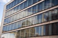 Zewnętrznie fasada Foreign Office Federacyjna republika Niemcy z odbiciem miasto pałac plac budowy Obraz Royalty Free