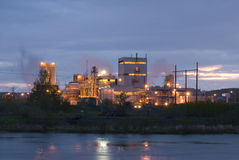Zewnętrzny widok Przemysłowy budynek i roślina Fotografia Stock