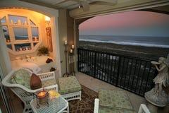 Zewnętrzny patio z widokiem ocean. Obraz Royalty Free