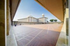 Zewnętrzny widok Istiqlal meczet Fotografia Royalty Free