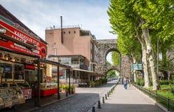 Zeyrek-Straßenansicht in Istanbul, die Türkei Stockfotos