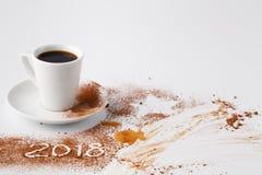 Zgłasza po przyjęcia nowy rok 2018 z kakaowym proszkiem i kawą Fotografia Stock