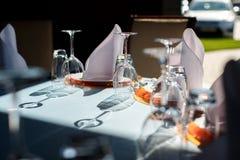 Zgłasza set dla poślubiać lub inny catered wydarzenie gościa restauracji obrazy stock
