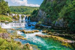 zgadzający się terenu teren kartografuje ważny ścieżki ulga cieniącego stan otaczający terytorium miastowa roślinność Bosnia klam obrazy royalty free