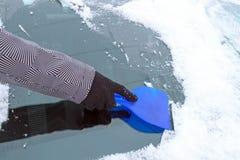 Zgrzebłowy lód od samochodowego okno Obrazy Royalty Free