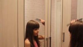 zgrzywiony jej włosy g - girl zbiory