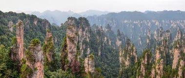 """Zhangjiajie as montanhas do """"Avatar"""" na província de Hunan em China imagem de stock"""
