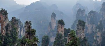 """Zhangjiajie las montañas del """"Avatar"""" en provincia de Hunán en China imagen de archivo"""