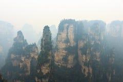 Zhangjiajie national park ( tian zhi shan ) ( Tianzi Mountain Nature Reserve ) and fog , China Royalty Free Stock Images