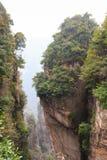 Zhangjiajie national park ( tian zhi shan ) ( Tianzi Mountain Nature Reserve ) and fog , China Stock Photography