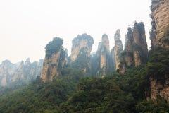 Zhangjiajie national park ( tian zhi shan ) ( Tianzi Mountain Nature Reserve ) and fog , ChinaZhangjiajie national park ( tian zhi Royalty Free Stock Photography