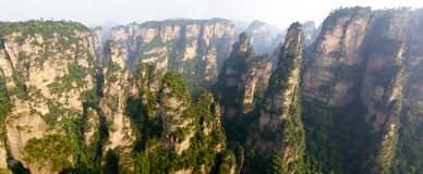 ZhangJiaJie, ?r stationnement de forêt nationale en Chine Images stock