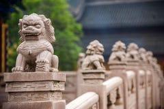 Zhenjiang Jiao Shan Ding Hui Temple stenbro Fotografering för Bildbyråer