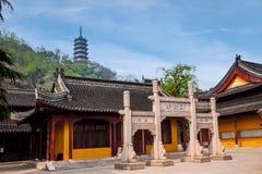 Zhenjiang Jiao Shan Ding Hui Temple tre Zhaifang Royaltyfri Foto