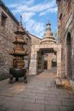 Zhenjiang-Westfährüberfahrt der alte Steintempel Stockbilder