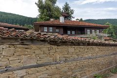Zheravna,保加利亚建筑储备与19世纪房子的 免版税库存图片
