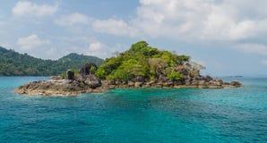 Zhivopistnyj desert island at ocean Royalty Free Stock Photo