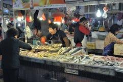 Zhongshan, Porzellan: Markt Stockfotos