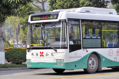 Zhuhai, bus in stad Stock Foto