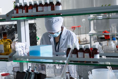 Medic in laboratory Royalty Free Stock Photos
