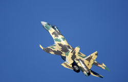 Zhukovsky,俄罗斯8月14日:Su35驾驶术 库存图片