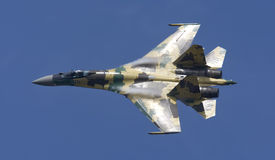 Zhukovsky,俄罗斯8月13日:Su35驾驶术 免版税库存图片
