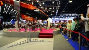 Zhukovsky, Rússia - 22 de julho 2017 Helicópteros do corporaçõ do salão de beleza MAKS-2017 do espaço de Russiaon