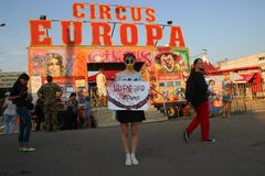 Zhytomyr, Украина - 25-ое мая 2014: Рукописный цирк тюрьма для животных стоковое фото rf