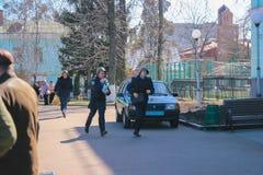 Zhytomyr, Украина - 13-ое октября 2015: Воинские солдаты на тактический бежать тренировок Стоковая Фотография RF