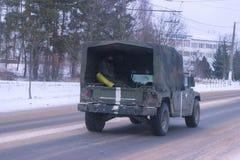 Zhytomyr, de Oekraïne - MAART 14, 2014: Oude militaire auto, legervervoer royalty-vrije stock fotografie