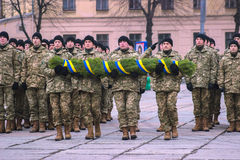 Zhytomyr, Ucrânia - 26 de fevereiro de 2016: Parada militar militar, fileiras dos soldados Fotos de Stock