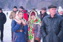 Zhytomyr Ukraina - Januari 19, 2016: Folk som firar epiphany Arkivbilder
