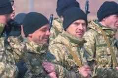 Zhytomyr Ukraina, Luty, - 26, 2016: Militarna militarna parada, rzędy żołnierze Zdjęcia Royalty Free
