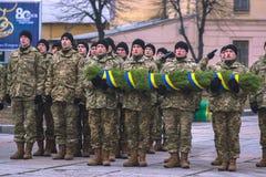 Zhytomyr Ukraina, Luty, - 26, 2016: Militarna militarna parada, rzędy żołnierze Obraz Royalty Free