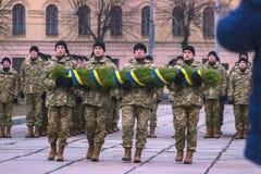 Zhytomyr Ukraina, Luty, - 26, 2016: Militarna militarna parada, rzędy żołnierze Fotografia Stock