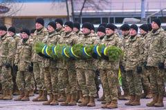 Zhytomyr Ukraina, Luty, - 26, 2016: Militarna militarna parada, rzędy żołnierze Obrazy Stock