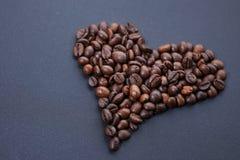 ziarna kawy, zrobił bielowi serce Obrazy Royalty Free