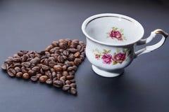 ziarna kawy, zrobił bielowi serce Zdjęcia Royalty Free