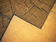 Zickzackmuster mit Holzbalken Stockfotografie
