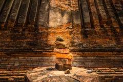 Ziegelbrockensatz in den Ruinen Stockfoto