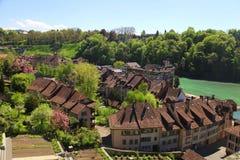Ziegeldach von Bern- und Aare-Fluss (die Schweiz) Stockbilder