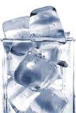 Ziegelstein des Eises im Glas Lizenzfreies Stockfoto