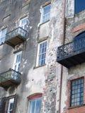 Ziegelstein-Stein und Stuck-Gebäude Stockfotografie