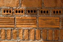 Ziegelsteindesign auf Hauptwand Stockfotografie