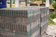 Ziegelsteine für Aufbau Stockbilder