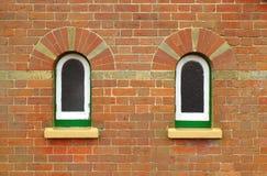 Ziegelsteine und Fenster Stockbild