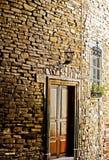 Ziegelsteine und Tür lizenzfreies stockfoto