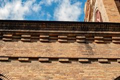 Ziegelsteinmuster auf Kirchenwand in Montour-Fälle lizenzfreie stockfotos