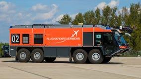 Ziegler机场消防和救护车 免版税库存照片
