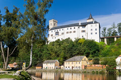 Ziehen Sie sich Rozmberk nad Vltavou, Tschechische Republik, Europa zurück Lizenzfreie Stockfotografie